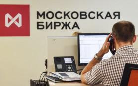 Рубль следует за нефтью по пятам