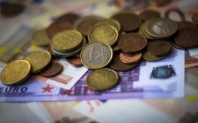 Азербайджан намерен ввести ограничения на вывоз валюты