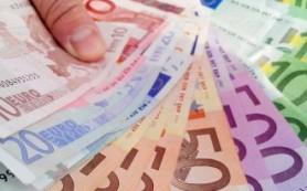 Швейцария может начать выплачивать всем гражданам по 2250 евро ежемесячно