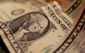 Банки Азербайджана резко сократили наличную продажу иностранной валюты