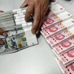 ЦБ запросил банки Крыма о возможности приема карт Visa и Mastercard