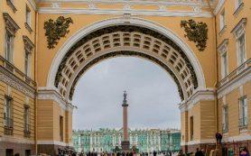 Власти Петербурга ожидают рост турпотока на 10% в этом году