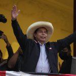 Педро Кастильо побеждает на президентских выборах в Перу
